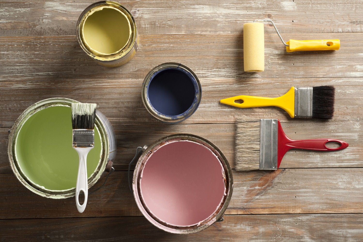 Homeowners believe redecoration and renovation improves value [Photo: iStock/TinaFields]