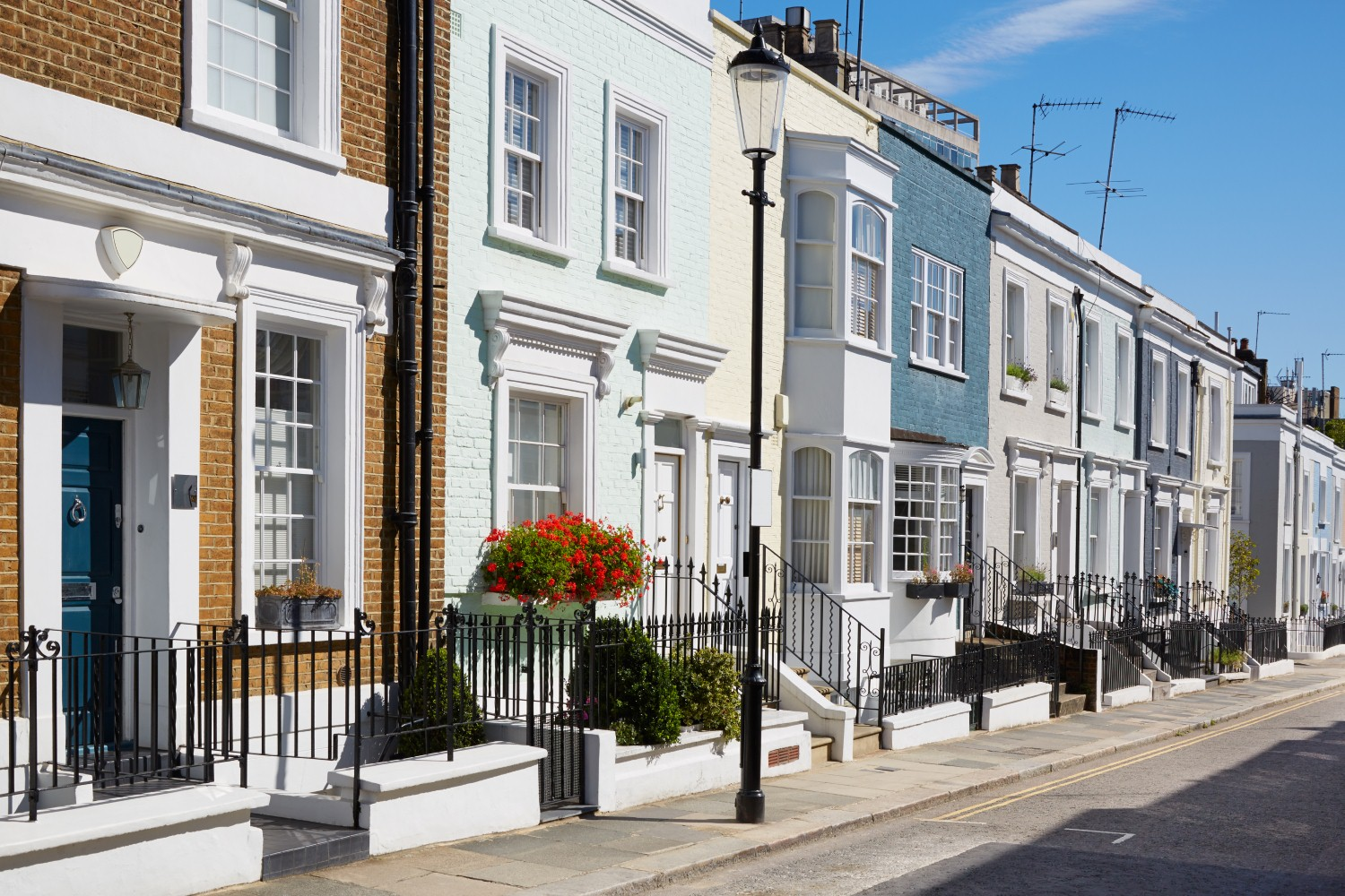 Prices in prime central London reached new high in 2016 [Image: AndreaAstes via iStock]