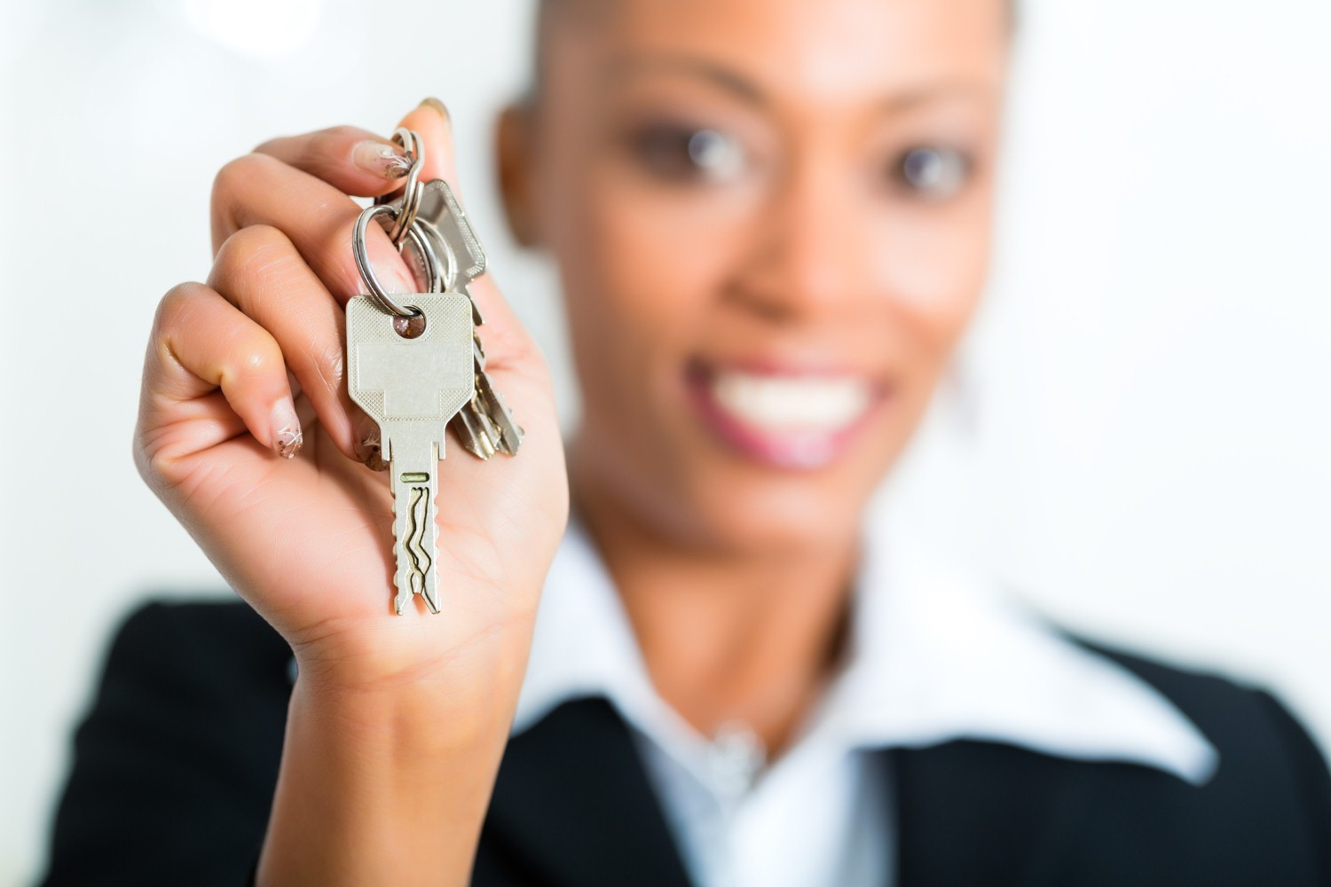 40% of landlords in the UK are women, report reveals [Photo: kzenon via iStock]