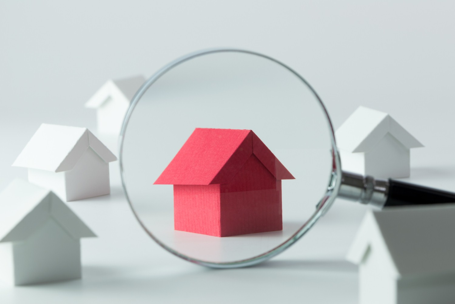 Relationships between UK landlords and tenants increasingly positive [Photo: iStock/Kenishirotie]