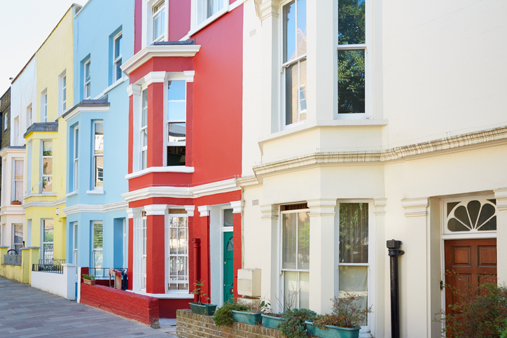 House price sentiment in UK remains positive [Image: AndreaAstes via iStock]